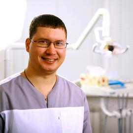 Наш специалист Росляков Максим Викторович